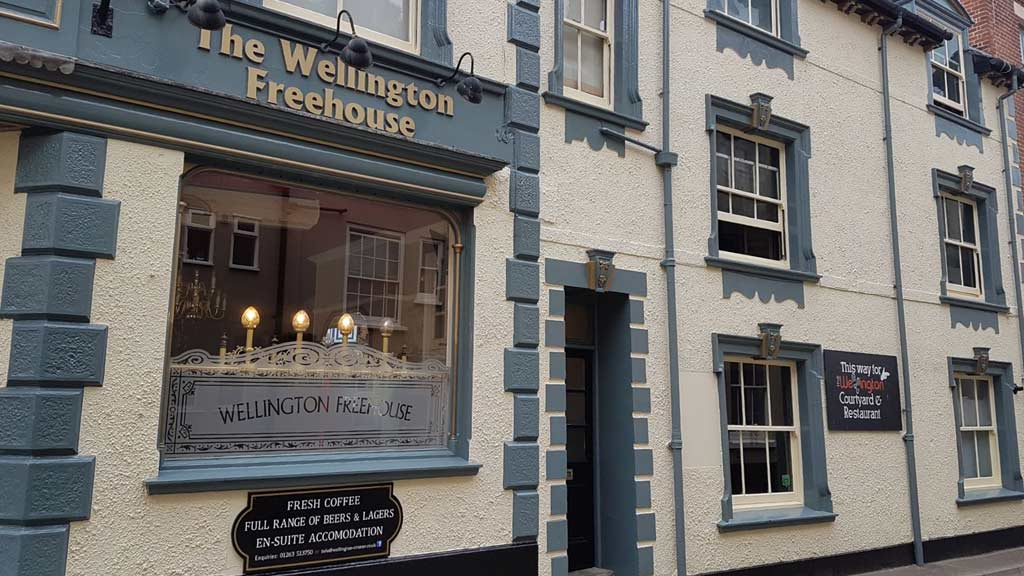 Commercial Exterior Decorating Duke Of Wellington Norfolk